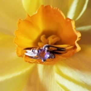 Vintage 10k gold heart ring purple size 6 as is